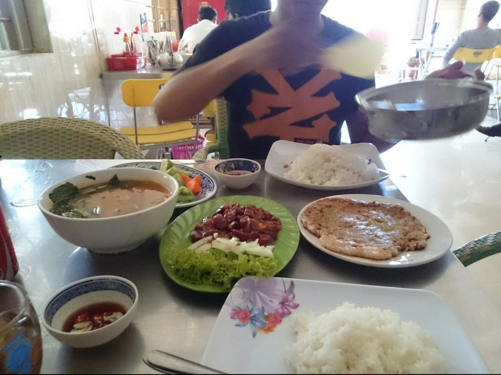 カンボジアのローカル飯